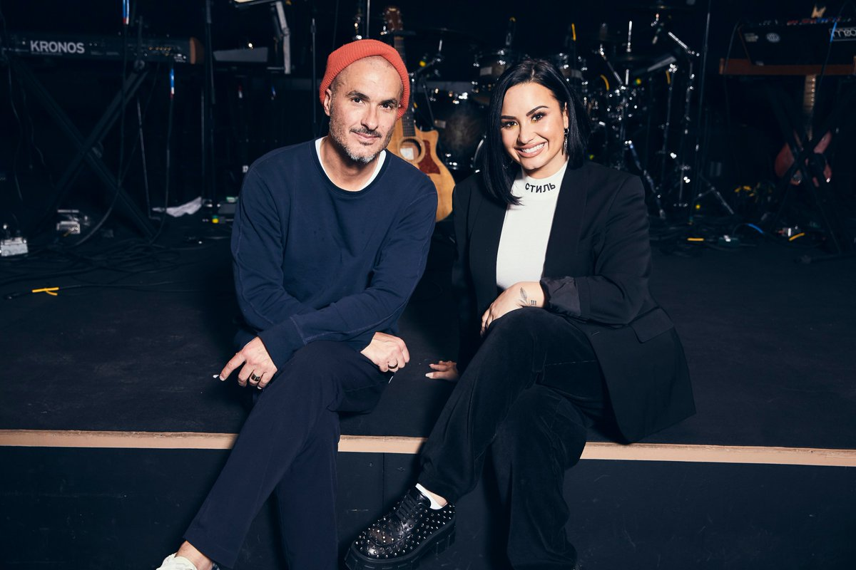 Demi is back. @ddlovato x @zanelowe Friday on @AppleMusic: 9AM LA / 12PM NYC / 5PM LDN.   http:// apple.co/NMDB1     #NewMusicDaily<br>http://pic.twitter.com/QGpi66INmE