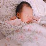 育児衝撃画像?赤ちゃんの寝顔が完全におっさん!