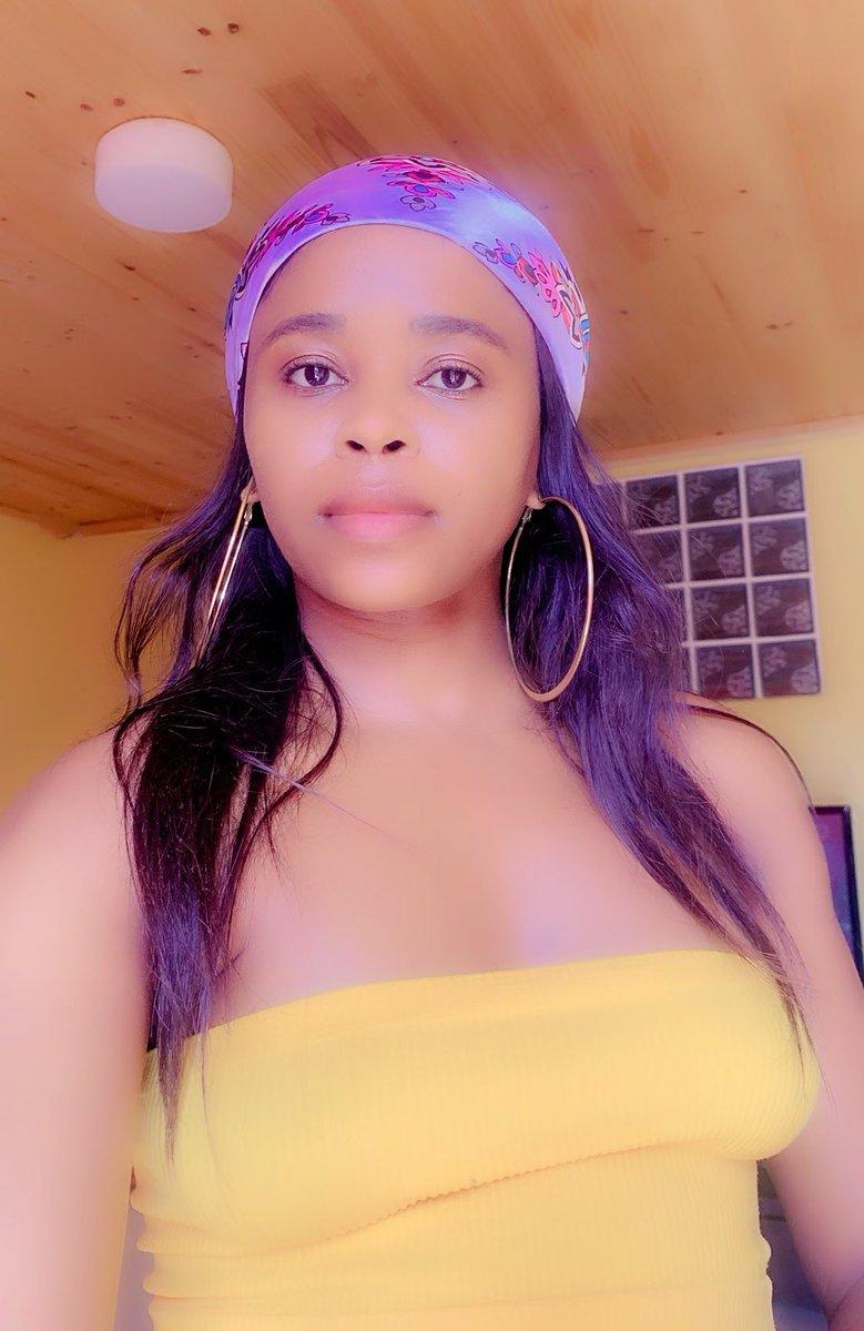 🌼🌼 that perfect #SelfieFriday Mholweni ☺️☺️. #FridayFeeling