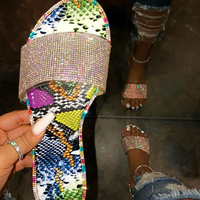 Our Fav  BlingedOut slides are coming to the site next month at  http:// SparkzNMore.com     . #flipflop #glitter #bling #shop #comingsoon <br>http://pic.twitter.com/n22bDH5lLm