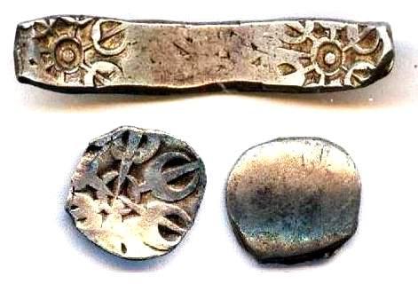 Coins of Early Gandhara Janapada one of the 16th Mahajanapadas, Taxila-Gandhara region, 600–300 BCE..  #ancientindia pic.twitter.com/cqbiDtOxRk