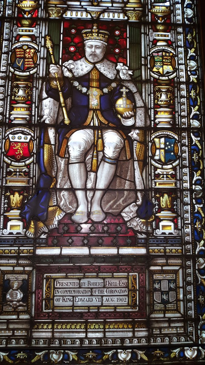 As we've just had anniv of death of Queen #Victoria here's  my pic of her successor, Edward VII, in window at lovely @tallowchandlers Hall #London . @visitthecity #royalty #RoyalFamily #Royals #History #Victorian #FridayThoughts