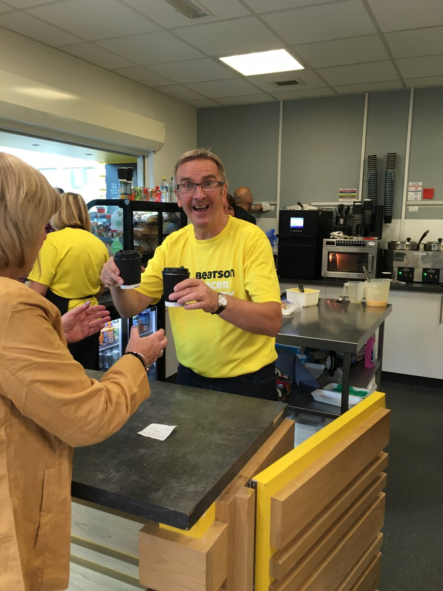 We're looking for new #volunteers to help out in the Beatson Café! ☕  Interested? Contact Marlyn on 0141 212 0505 or by email at marlyn.hosie@beatsoncancercharity.org.  We look forward to hearing from you! 💛  #cafevolunteer #teambeatson #voluteerglasgow @volunteerglasgo