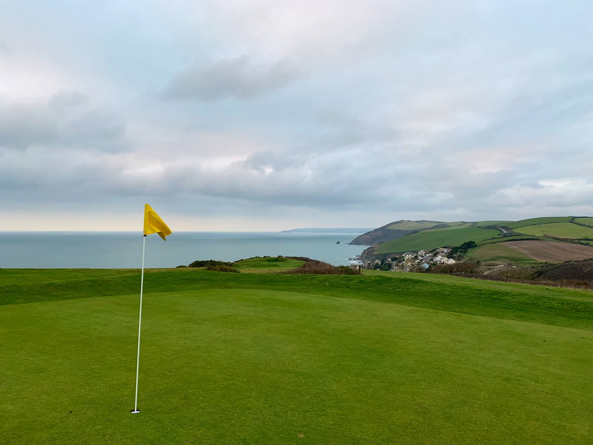 A calm start to the day at The Bay. No temporary greens, no temporary tees, just a FULLY OPEN Golf Course with NO RESTRICTIONS👌⛳️ @PLsportsnews #SWgolf #StateofPlay