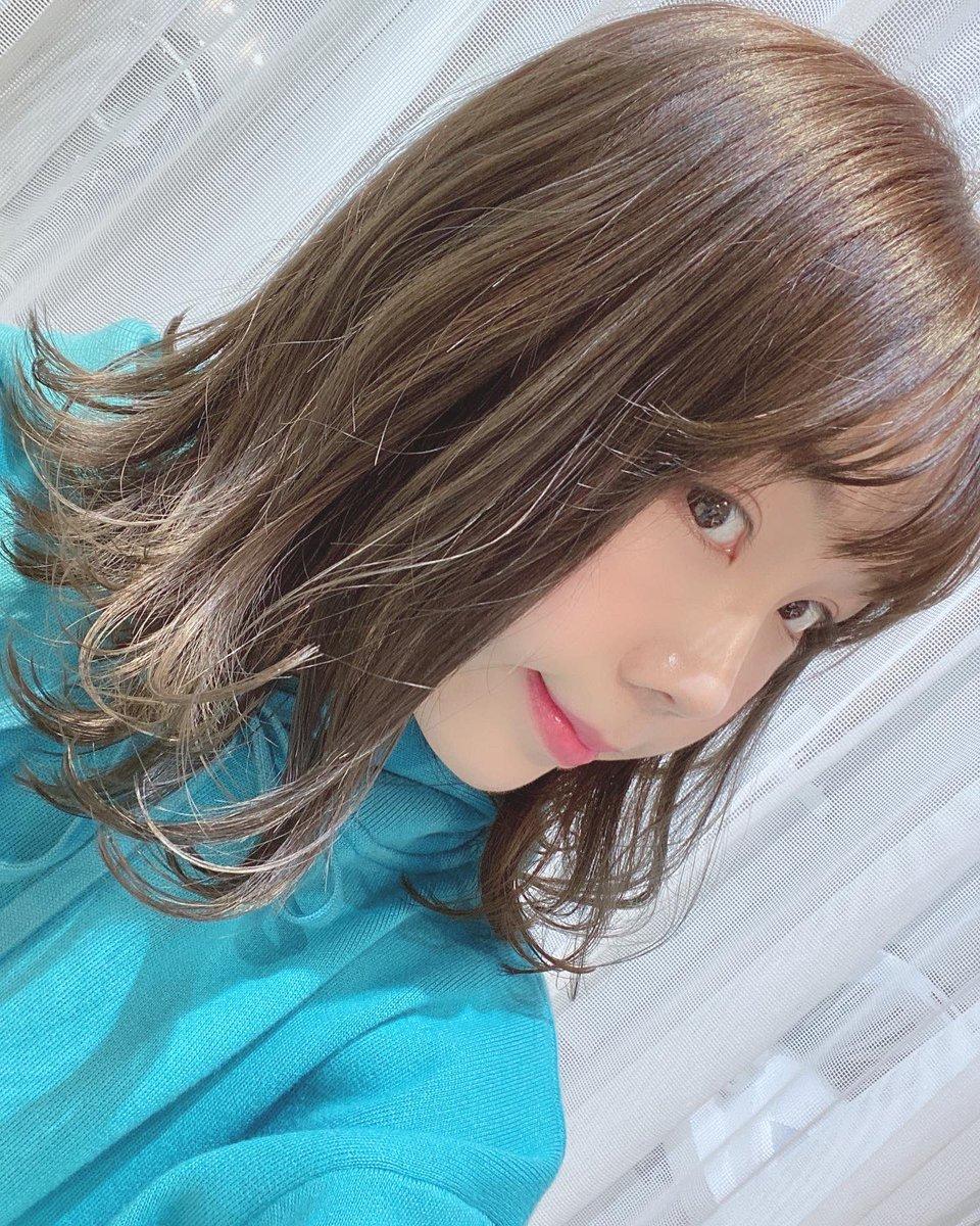 バッサリ髪切ったんだよー(∩ˊ꒳ˋ∩)
