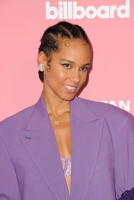 Happy birthday shoutout to host Alicia Keys! Pic, PR Photos