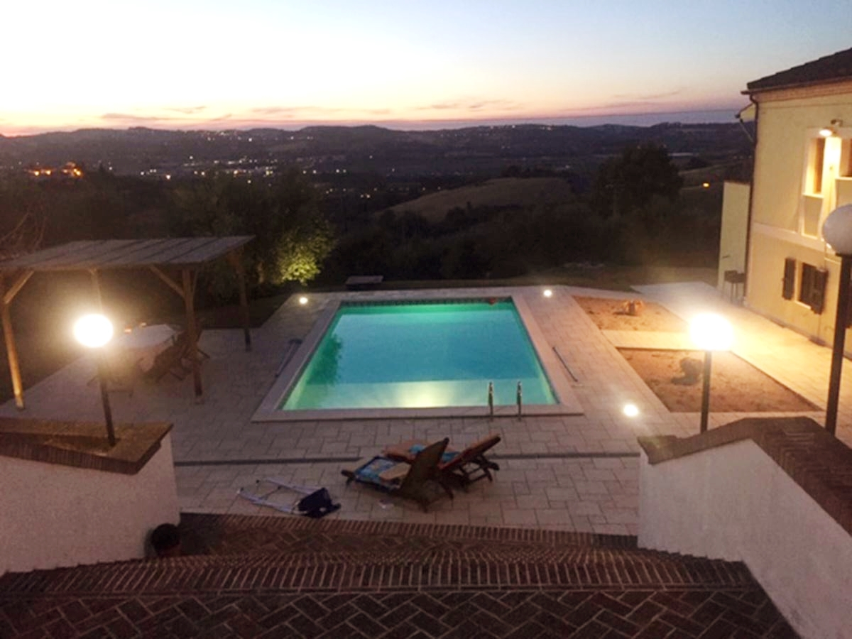 Villa del Sole is a beautiful, traditional, 4 bedroom villa just on the outskirts of the village of Fontanelle, which dates back to the early 1800's. #italy #property #abruzzo #abruzzi https://www.italianhousesforsale.com/property-in-italy/property-for-sale-in-abruzzo-teramo-atri-asking-price-e329000/…