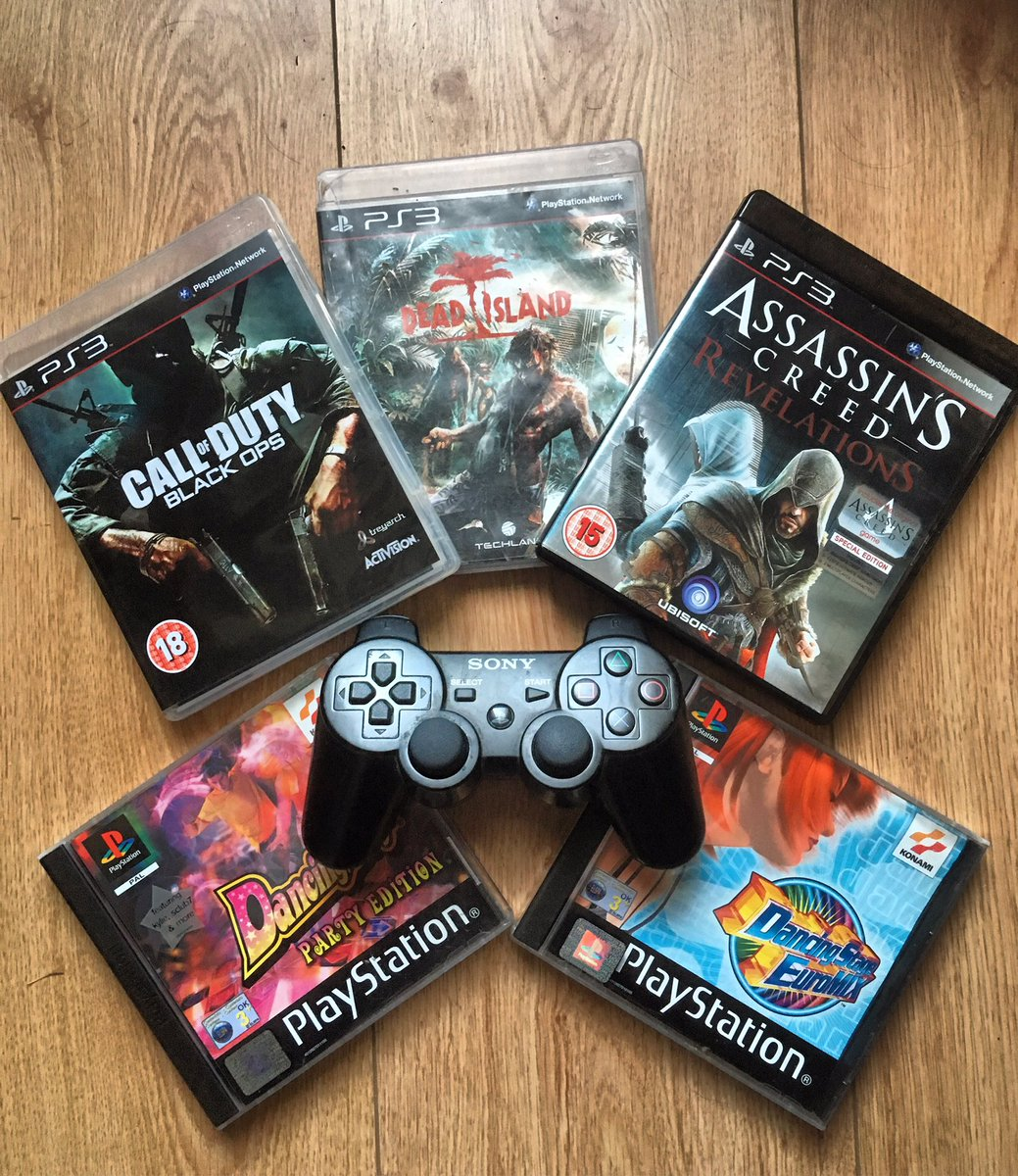 Another recent pickup when I was out on my travels. Separated by console generation and very different gaming styles represented in this little lot #PlayStation #ps1 #PS3 #AssassinsCreed #CallofDuty #blackops #Retro #RETROGAMING #retrogames #gaming #FPS #fortheplayers #geekpic.twitter.com/yqaayz9lk5