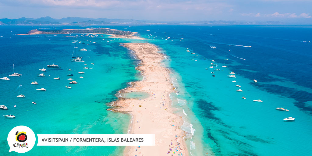 A little paradise in the Mediterranean sea. #Formentera is an island of transparent waters and white sands to enjoy a unique experience. 👉 bit.ly/30l0NjU #VisitSpain #LiveSpain #Baleares #SpainExperience @VisitFormentera @BalearicTour