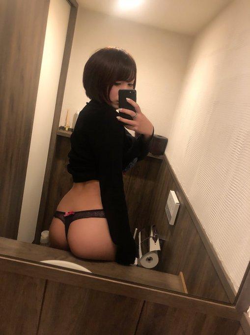 グラビアアイドル安位薫のTwitter自撮りエロ画像11