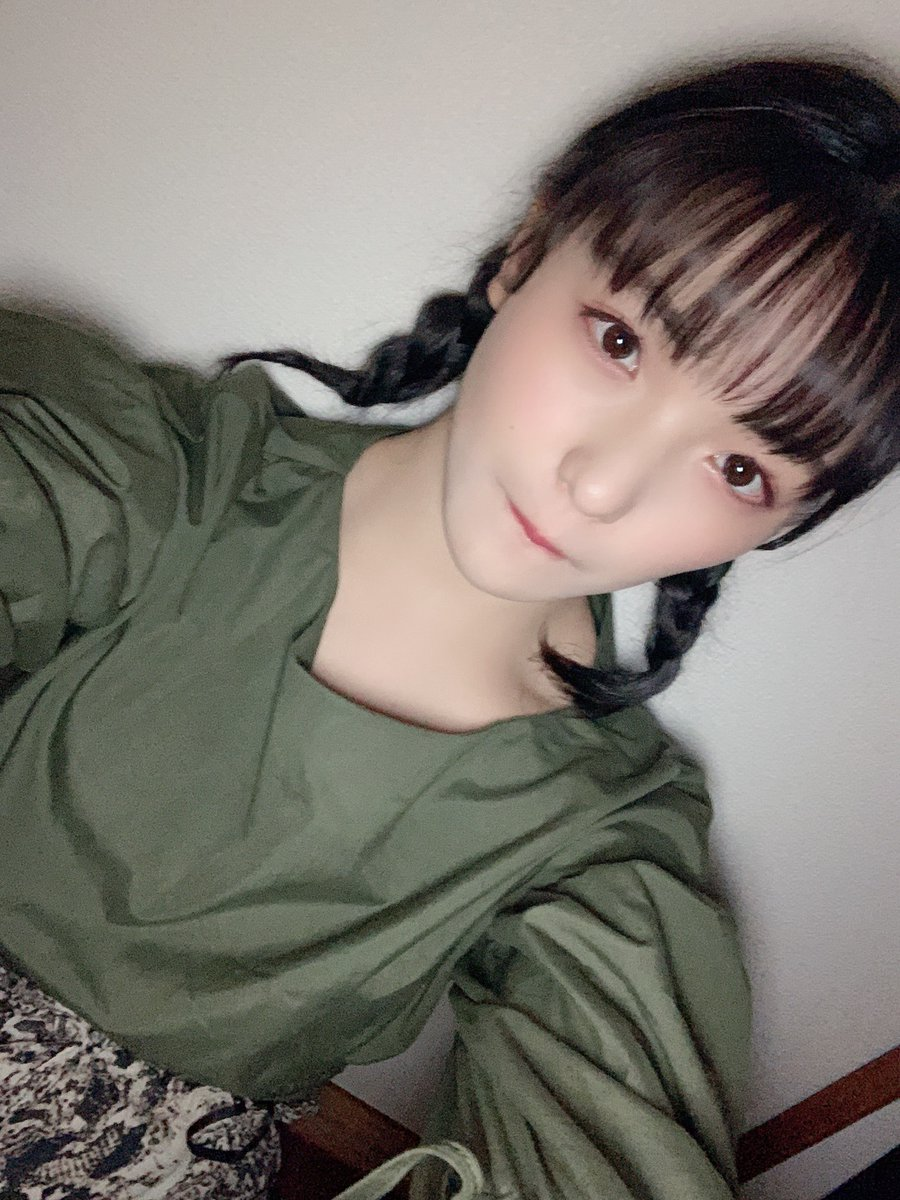 【Blog更新】 人の唇をみてリップを特定する女:清野桃々姫:…  #雨ノ森川海 #RFRO #BEYOOOOONDS