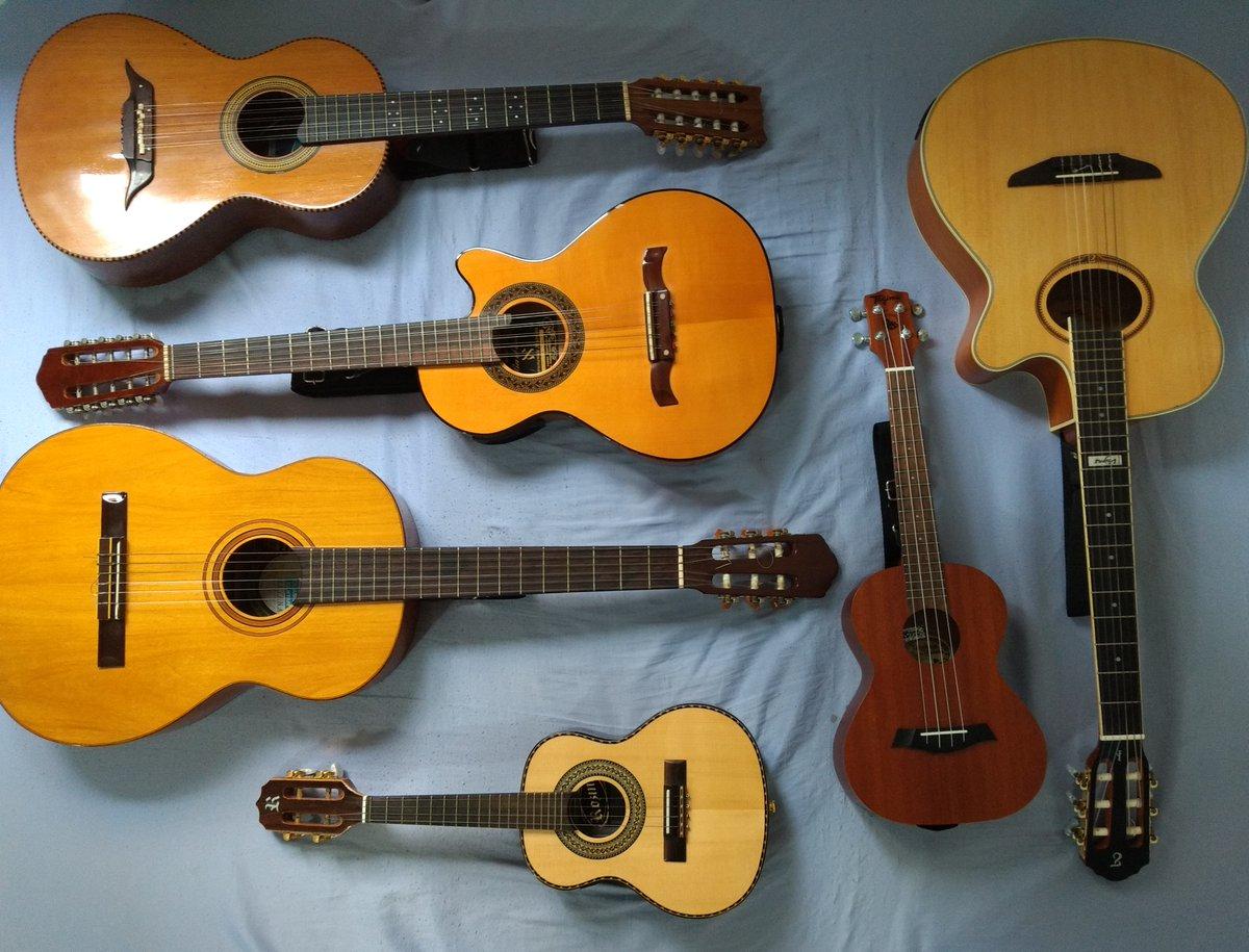 Zumbis, Vampiros, Lobisomem, Loira do Banheiro, Homem do Saco não me assustam, não tenho medo. Agora trocar cordas de tudo isso...#AiltonRios #violaopopular #violao #viola #violacaipira #cavaco #cavaquinho #ukulele #ukulelebrasil #ukulelesaopaulo #trocarcordaspic.twitter.com/hz03Lr5Gui