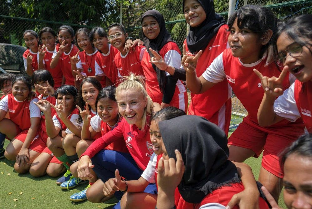 "test Twitter Media - ""We can continue to empower and protect girls and boys through the sport they love.""  @Arsenal bring @SavetheChildren to host event at the #WEF2020 in #Davos to raise the impact conflict has on the wellness of children and their families & sports aid  📰: https://t.co/9fuJq62Veg https://t.co/GNv5F07EJx"
