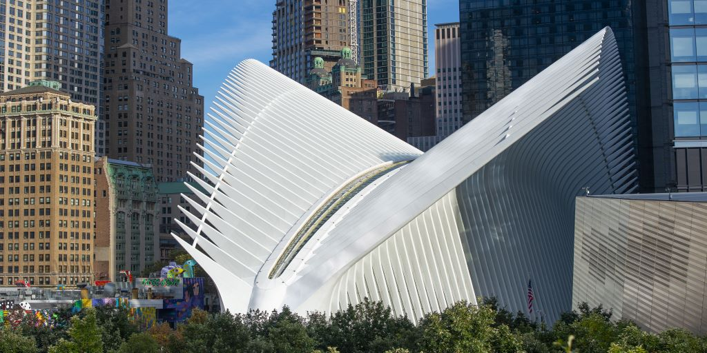 Wishing you a happy Friday from the #WorldTradeCenter!  <br>http://pic.twitter.com/Ya5U9awOTg