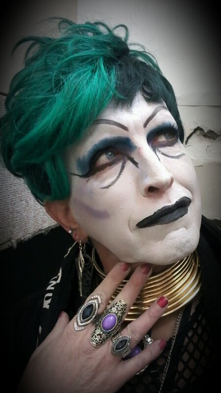 Digging and letting the waves taken. #dragqueen #altmodel<br>http://pic.twitter.com/69acVI0BWM