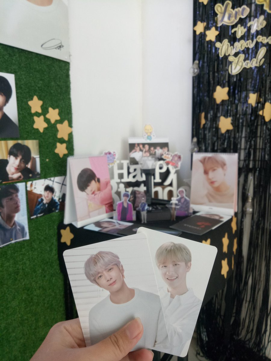im so happy that i was able to go kanina kay  it was really worth it❣️ not just because of the freebies but because i also got to meet some fellow monbebes 💕 ahhhh hopefully i can attend-  #LoveUToTheMoonAndBack #Hyungwon #Changkyun #HBDtoHYUNGWON #HBDtoIM  @OfficialMonstaX