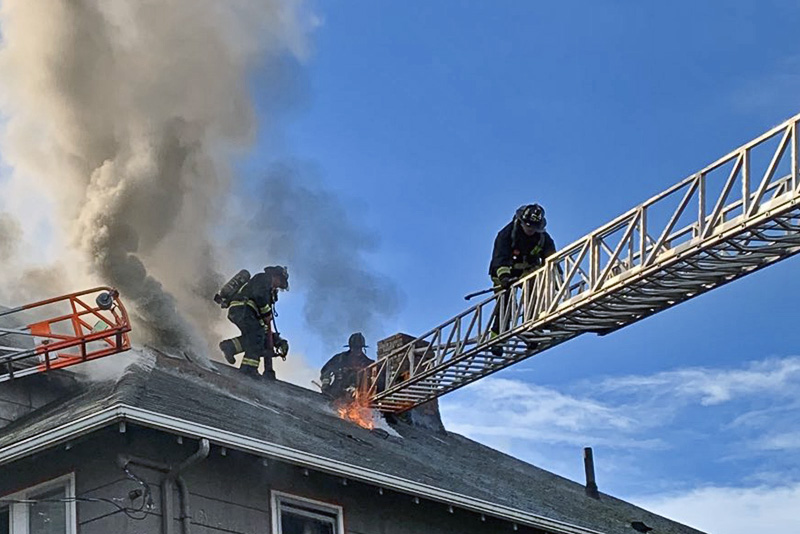 Learn how to become a firefighter in Dorchester #FireFighter @BostonFire  https:// dorchester.comunicas.org/2020/01/15/lea rn-how-to-become-a-firefighter-in-dorchester/  … <br>http://pic.twitter.com/ijOS2mX2TM