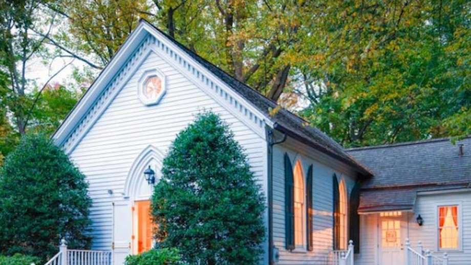 The Talmadge Hill Community Church is going to begin celebrating its 150th year on Sunday. #NewCanaan #Darien #Connecticut #150thyear #Sunday #Talmadge #Hill #TalmadgeHill #TalmadgeHillCommunityChurch'  https://bit.ly/2NXenVzpic.twitter.com/DPWI4fGVrw