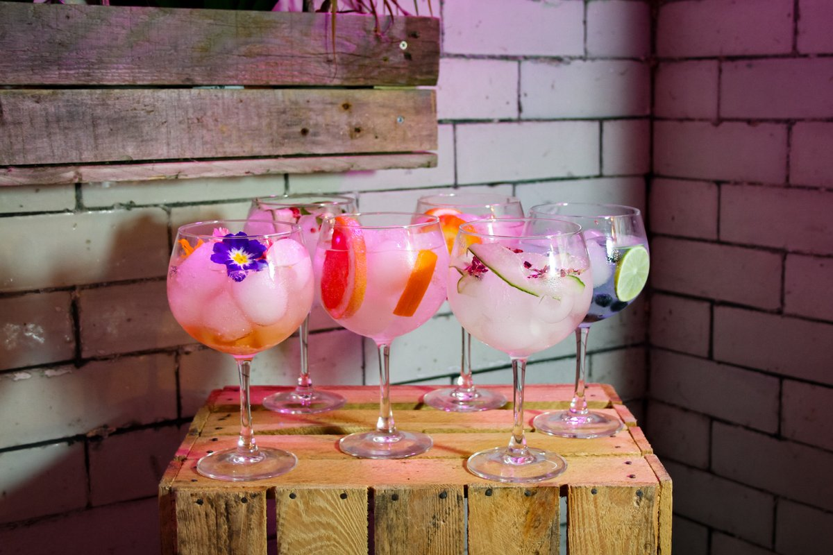Hello Friday, we've been waiting for you ✨  From fruity, to floral to dry and even strong our Basement Gin Bar is open from 6pm with over 60 gins for you to choose from 🥰  Tag your friends! #GinBar #Gin #Friday #FriYAY #Cocktails #Friends #Colchester