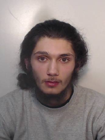 Police are appealing for the public's help to trace a wanted man from the #OldTrafford area in #Manchester. crowd.in/vMIuqk