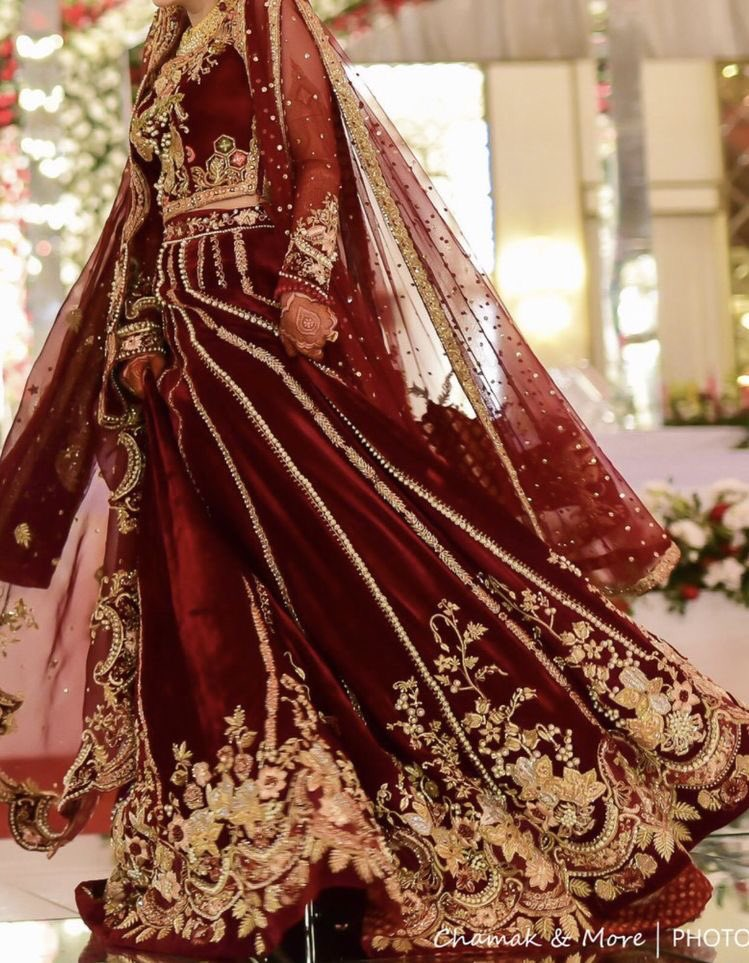 I'm in love with shade of red♥️ #pakistaniweddings #bridal #bride #weddingdress #fashion #instafashion #designer #picture #wedding #likeme #follow #desi #dulhan #200likes #instabest #style #blogger #happy #instafollow #lahore #karachi #pakistan #potd #islamabad #america #ootd