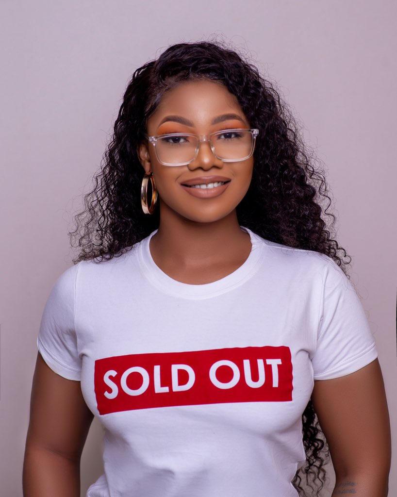 You called urself my friend and u can't patronize me? since 2019 I opened my boutique with 5 dresses yet they aren't sold out. U know what? I'm gonna unfriend u. In whose voice?. Geddifok  .  #TitanshoodieSoldOut<br>http://pic.twitter.com/ldCxQ4ga0u