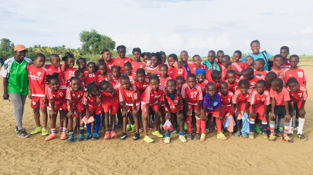 test Twitter Media - Thank you Bruce & Nancy for the new uniforms and all of your support over the years. We appreciate it! #teamgoals #giveback #youth #soccer #Haiti #sportforgood https://t.co/0iZ0K7O6Uz