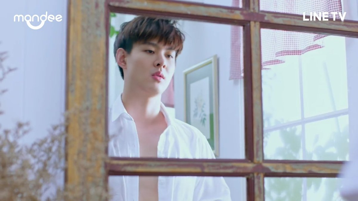 Only Saint can do this in 1 second : From this                      To this  #WHYRUEp1 #Saint_sup <br>http://pic.twitter.com/pgwI67jlnO