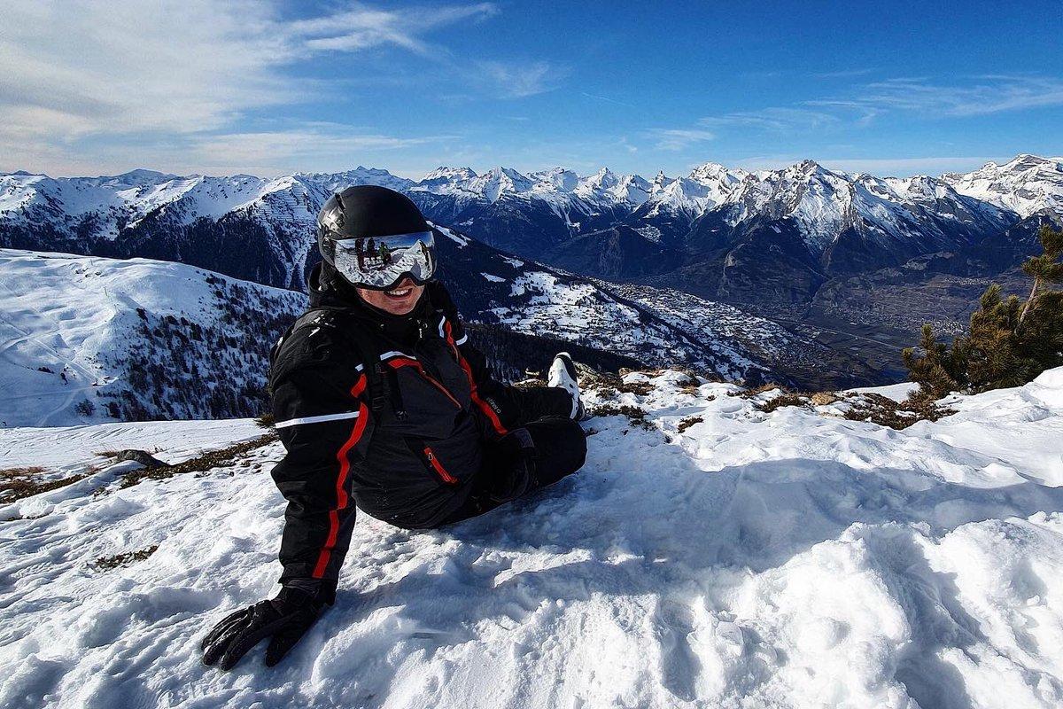 Good times in Switzerland🇨🇭⛷Merci @FunbreakFR pour l'accueil 🤙🏻 📸 ©Loic LM #ski #winter #skiing #skiview #mountains #snow #veysonnaz #switzerland #ontour #lifestyle #picsoftheday #chriswillsman #dj #djlife #set #djset #tourlife #festival #live #music #edm #goodvibes #happy
