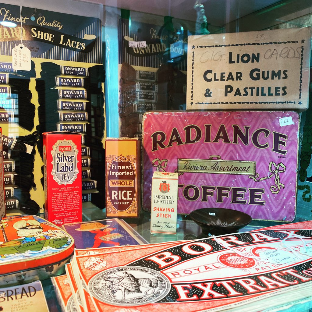 Enjoy your Friday evening and see you all tomorrow 10-5 #astraantiquescentre #hemswell #lincolnshire #advertising #shopadvertising #shoelaces #lyons #borax #oldsweets #vintageshopdisplay  #<br>http://pic.twitter.com/8Pg66UhKdL
