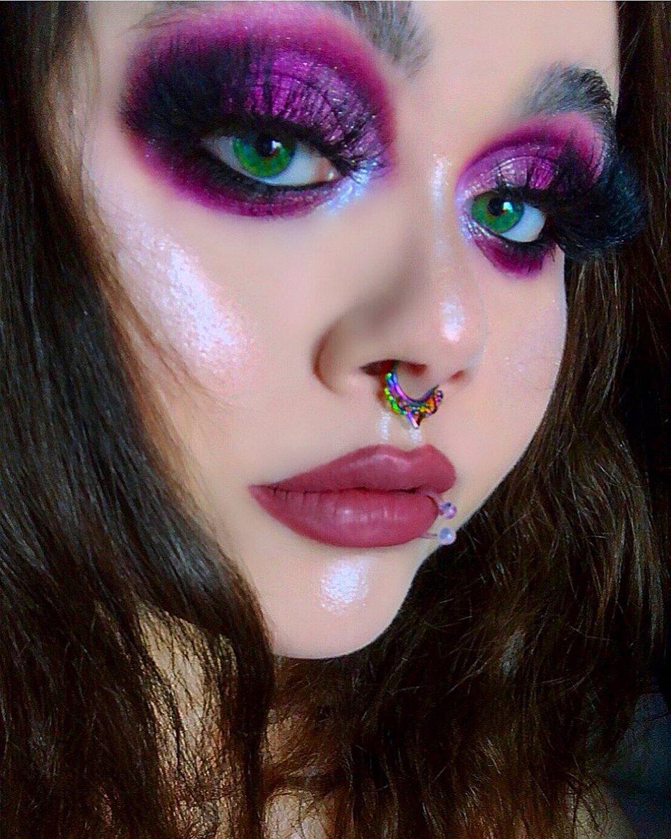 Wearing @ABHcosmetics x @amrezy  😍💕💕💕💕 Also, @EmmeLashess & @OFRACosmetics on the lips. #abh #abhcosmetics #amrezy #ofra #emmelashess #glam #mua #alternative #piercings #makeup