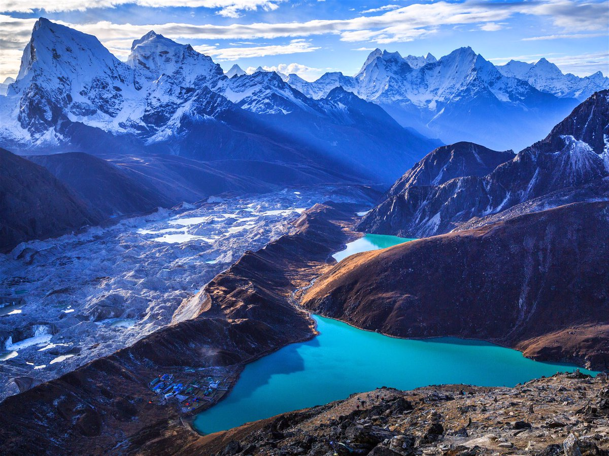Plant life climbs the Himalayas. Climate change brings vegetation to higher altitudes #Himalayas https://www.bbc.com/news/science-environment-51050456…