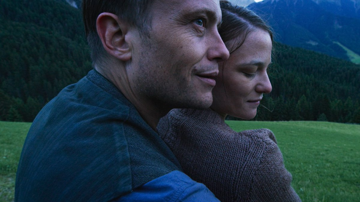 German Currents Kino Presents: Terrence Malick's, A Hidden Life, tonight at 7:00PM   Austrian farmer Franz Jägerstätter faces the threat of execution for refusing to fight for the Nazis during World War II.   in bio #TerrenceMalick #AHiddenLifepic.twitter.com/s4jHbVWr48