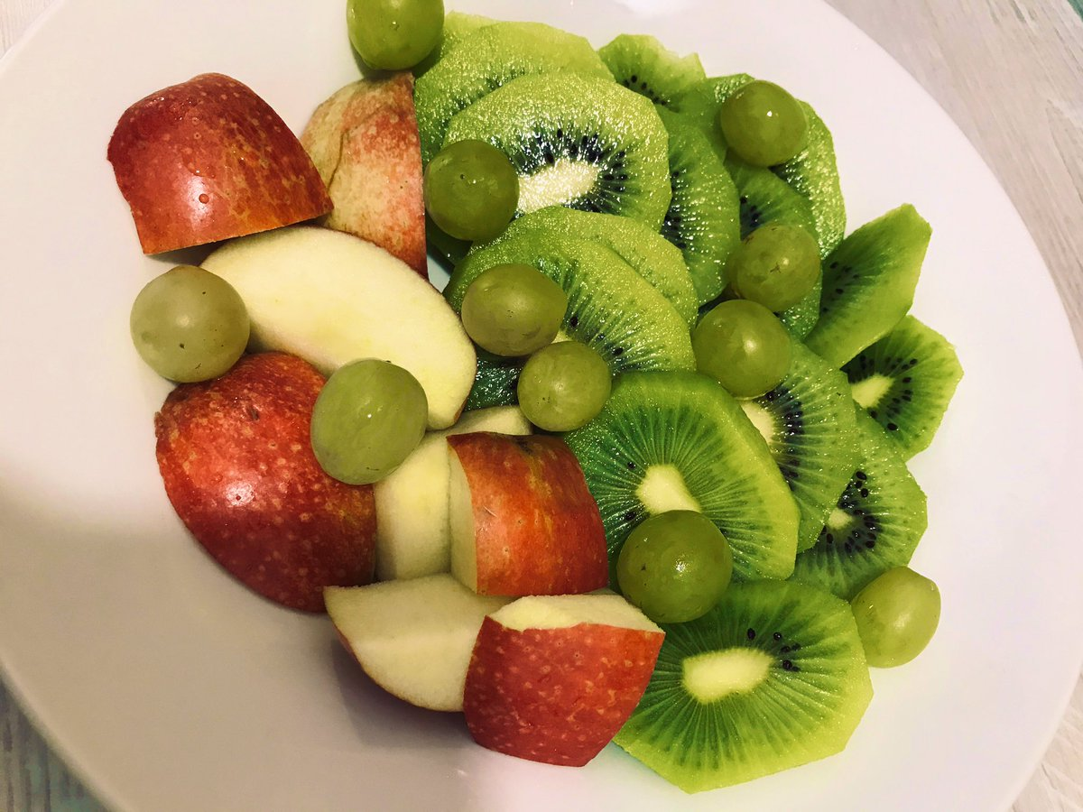 Healthy delice  #fruits #Kiwi #healthychoices <br>http://pic.twitter.com/OWmDVxRCIk