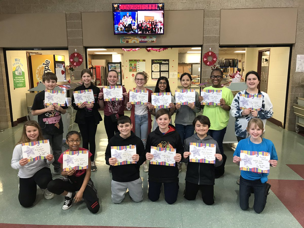 Congratulations to the 6th grade students of the quarter! #EJHPride #d61learns #SeizetheDay <br>http://pic.twitter.com/uSwJYfGPSs