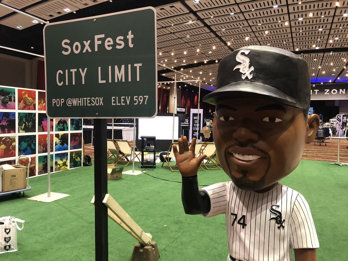 Greetings from #SoxFest2020!   Be sure to come visit the #SoxSocial Lounge and check out our new selfie spots and more. https://t.co/uQTt048zRg