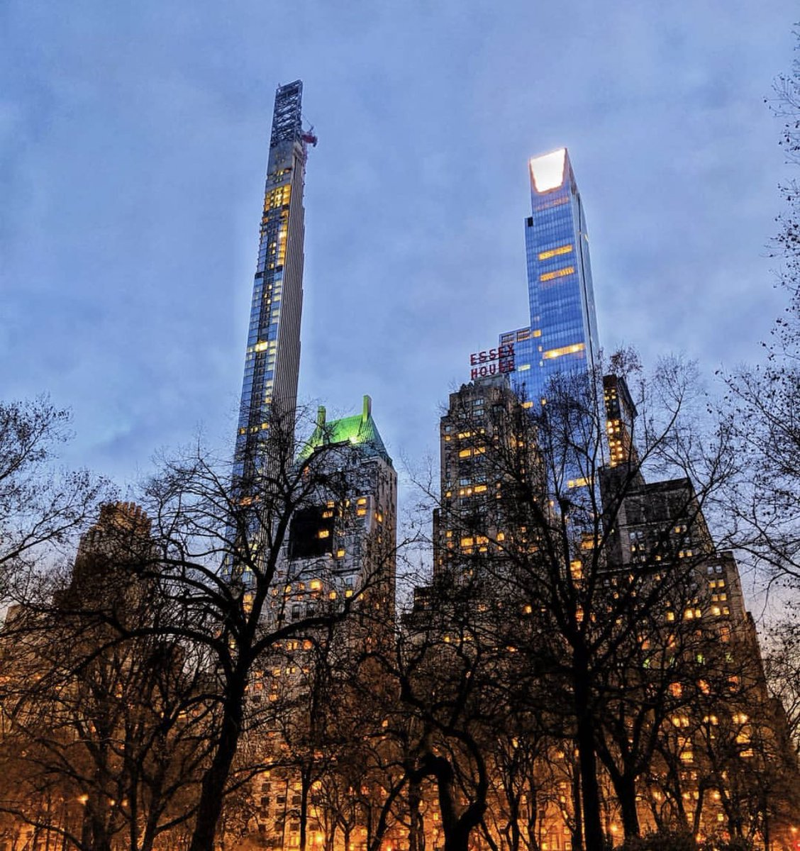An evening stroll like no other, just steps away in @CentralParkNYC   Photo Credit: @skyalignphoto  #ParkHyattNY #LuxuryIsPersonal #CentralPark #NYC #WeekendPlans<br>http://pic.twitter.com/G9DC9j8c5x