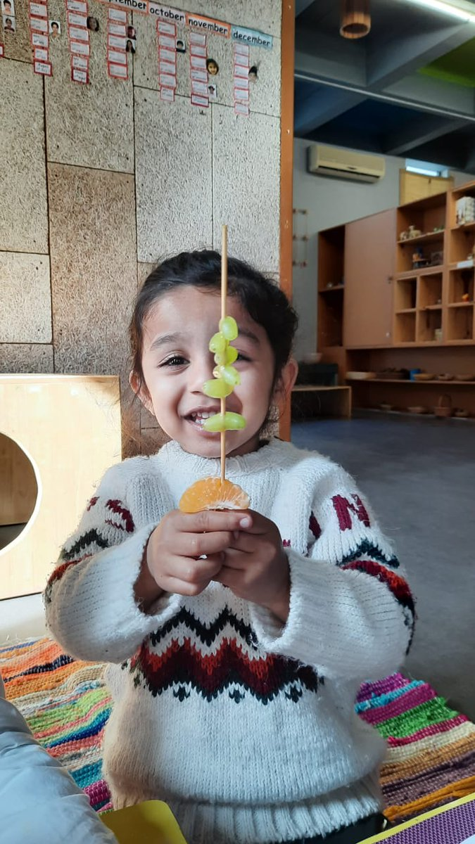 Observing Republic Day the Dreaming Child way – using the five senses. With sensory and fine motor approach pre-nursery was made aware of the tri-colour by making a tri-colour fruit skewer. . #prenursery #preschools  #preschoolsofsouthdelhi  #preschoolsprogressive #dreamingchild pic.twitter.com/gC22ulYDjw
