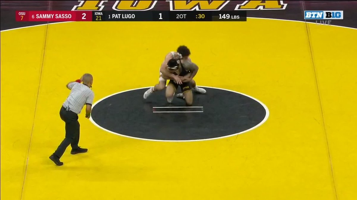 DID YOU SEE THAT? 👀   SAMMY SASSO just stopped the No. 1-ranked wrestler in the country. In double-overtime. In Carver-Hawkeye Arena. Against a Senior. WOW.