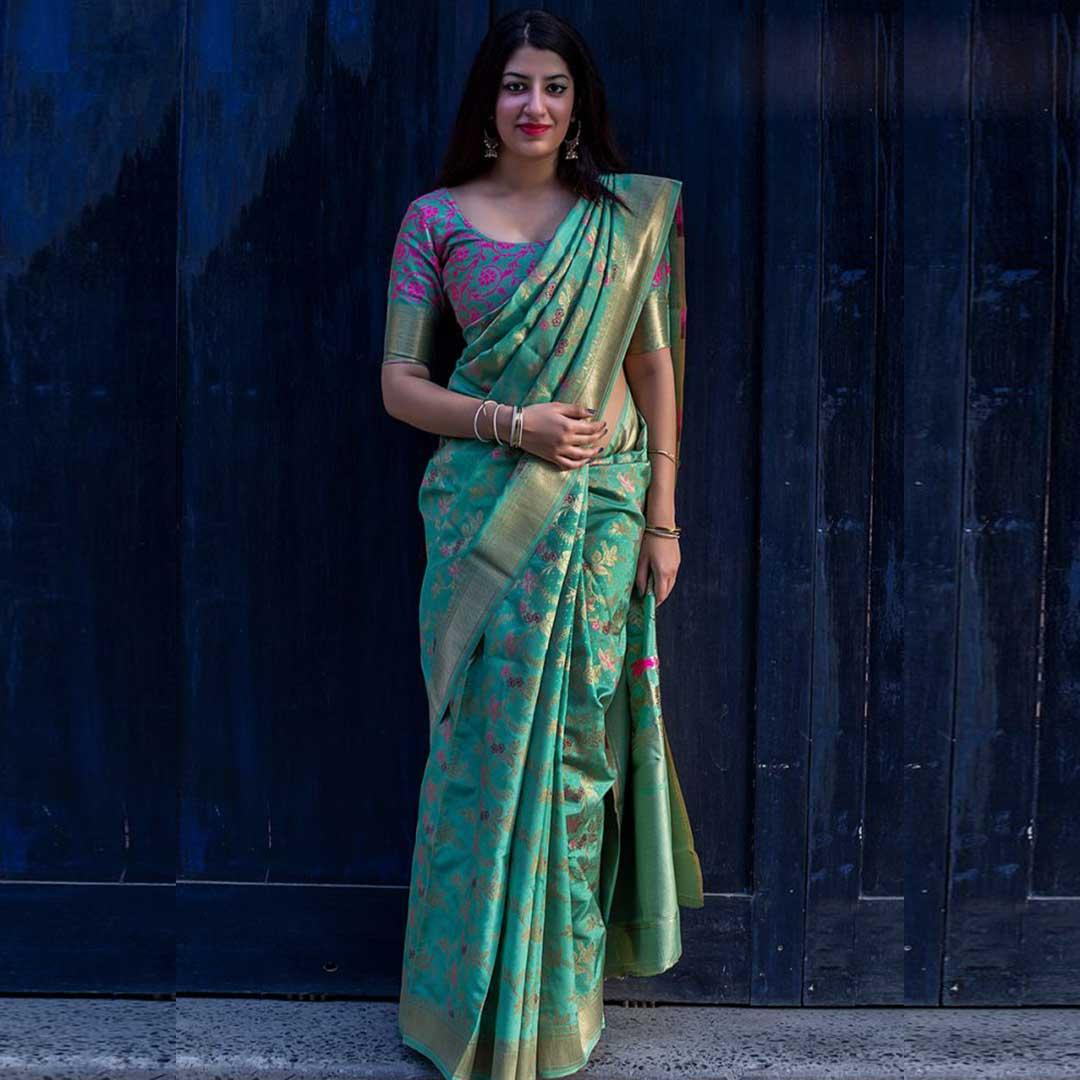 Indian Wedding Saree provides you a wide Banarasi Silk Sarees in various designs.  Visit : https://www.khushbufashion.com/saree  Call / Whatsapp : +91 95375 10757   #Khushbufashion #weddingsaree #sareeonline #festivalsaree #partywearsarees #designersaree #sarees #designersarees #fancysareespic.twitter.com/sZHzVLoYk9