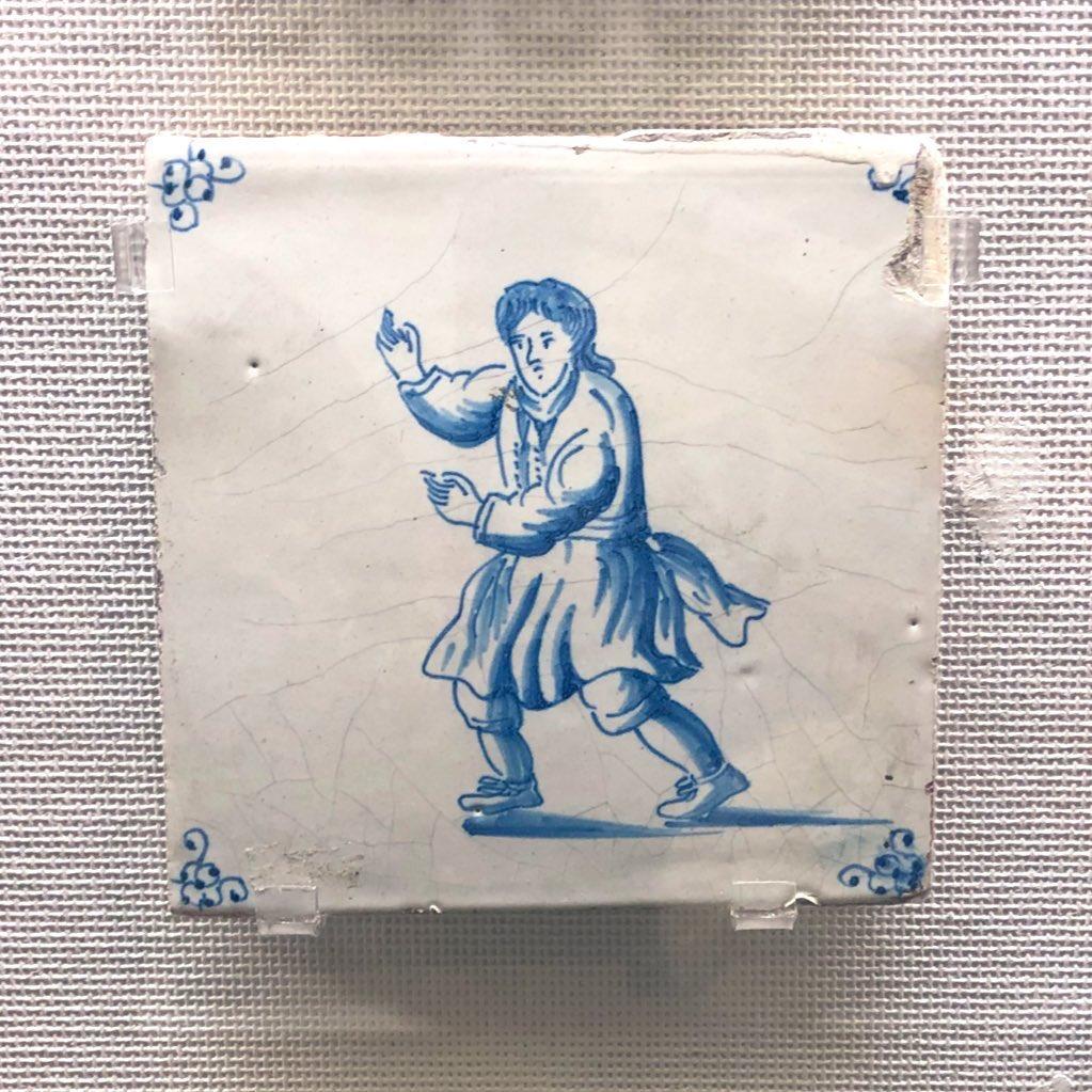 RT @webri_eaka: タイル博物館につづ井さんいた https://t.co/hm0LS3i4nx
