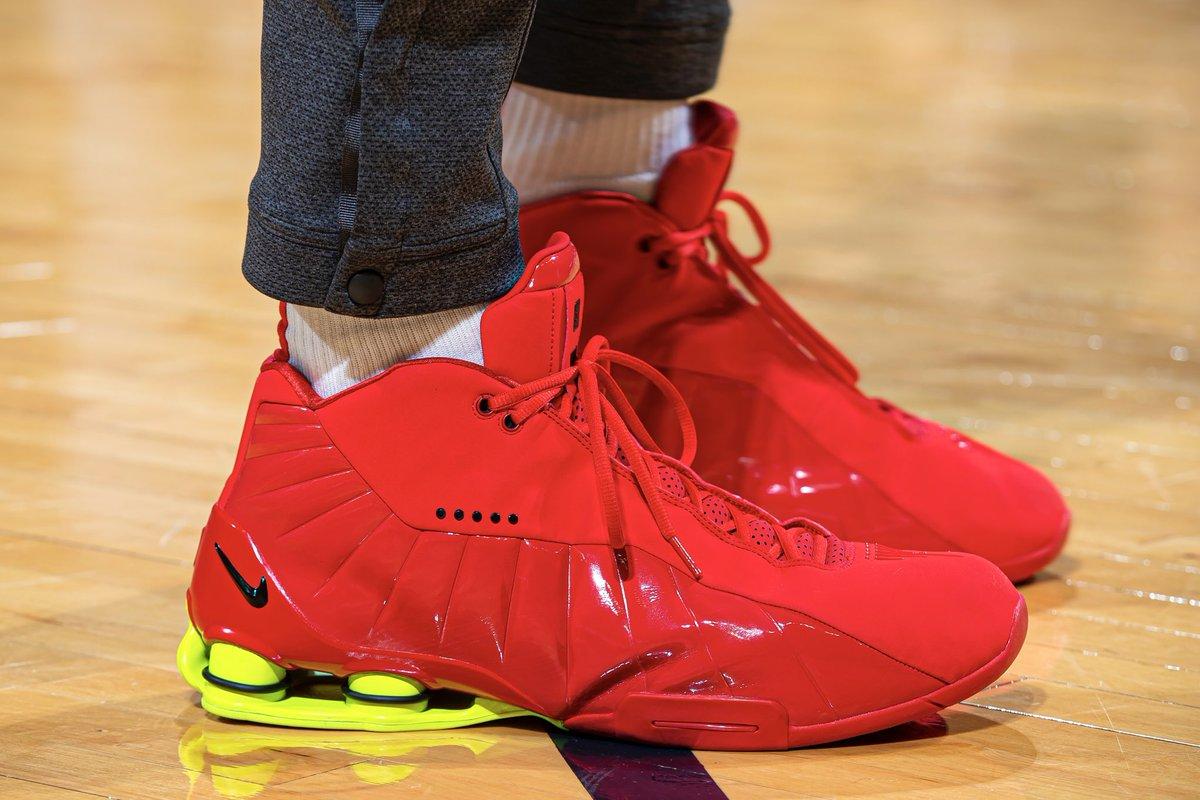 Vince Carter in the red Nike Shox BB4! #NBAKicks