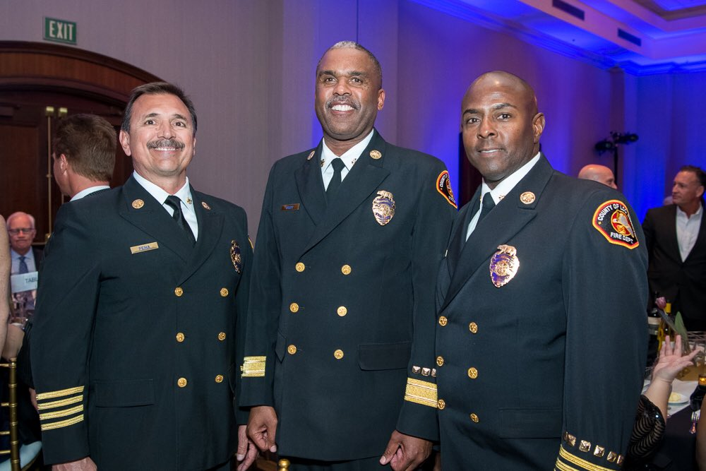 Congratulations Chief Osby!  Thank you to the @SCVChamber and @kathrynbarger for this honor. Our firefighters & paramedics are proud to serve our Santa Clarita Valley residents & business owners.
