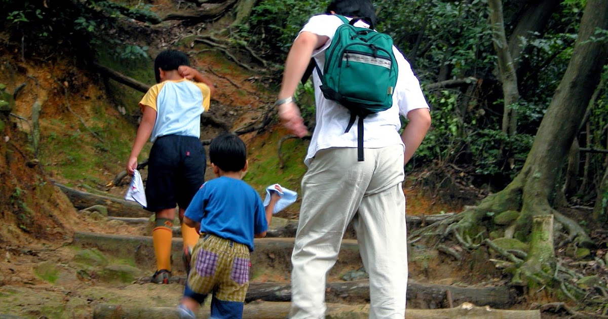 How to get the right fitting backpack for your day hike   #hiking #backpacker #camping  http://dld.bz/fqpNg