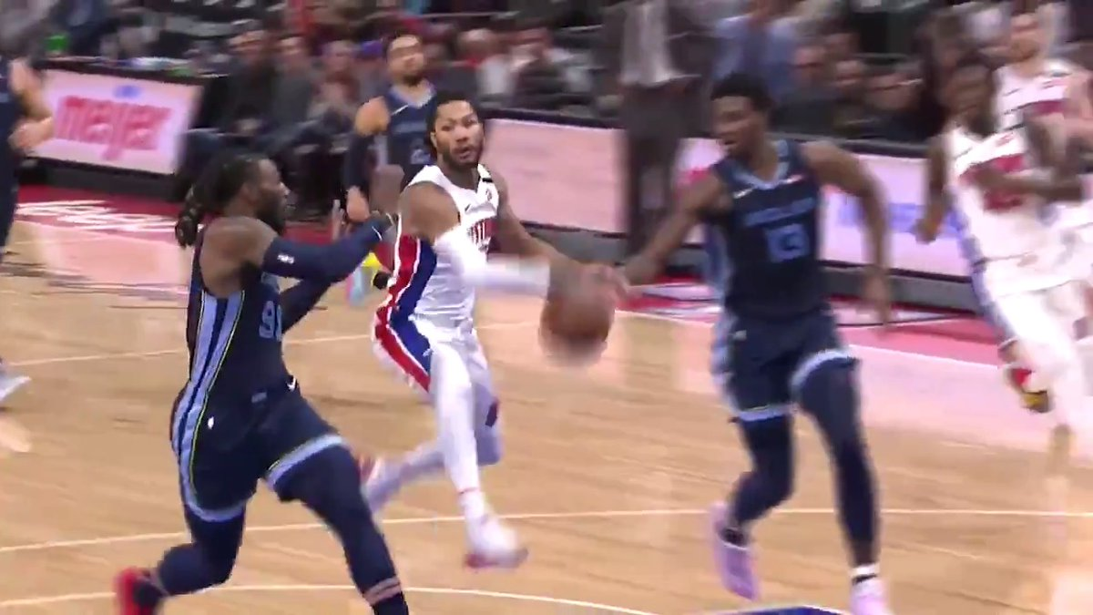 Derrick Rose's playmaking ability earns him your Heads Up Play of the Day! 🌹