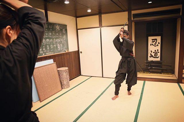 卍 * Let's practice how to use a sword! * #ninja #experience #ninjadojoandstore #kyoto #japan * https://ift.tt/38HwtTl