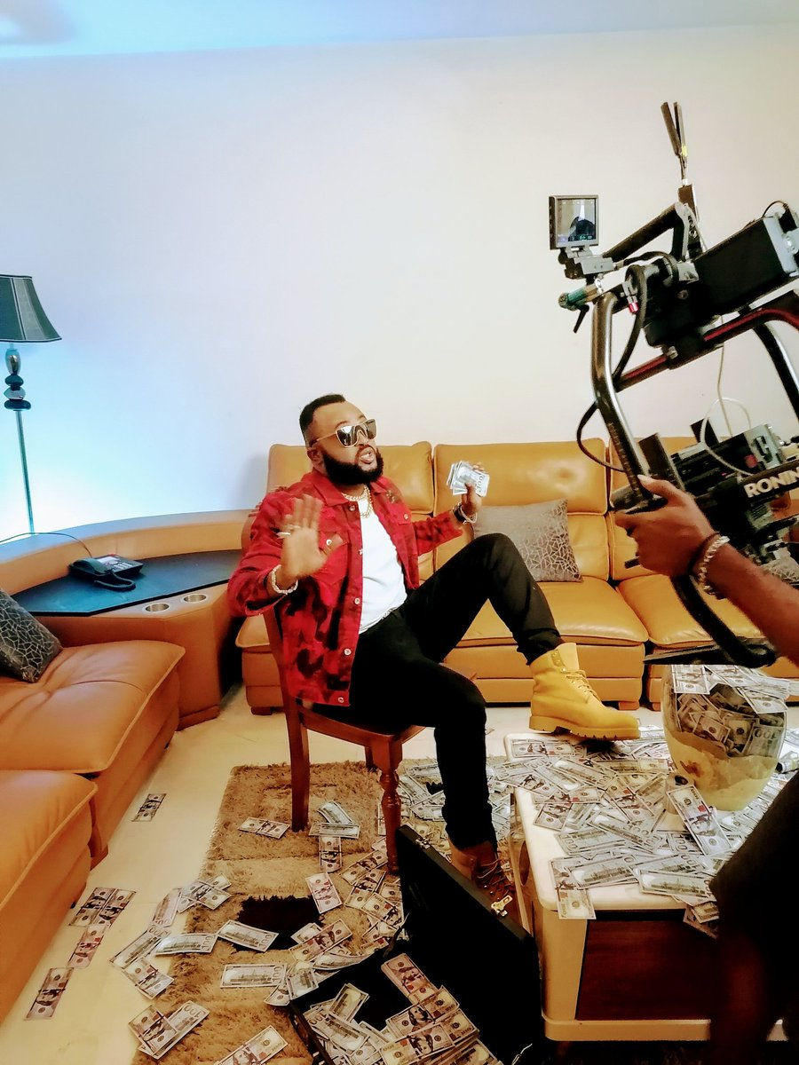 He that dwelleth in the secret place of the most High shall abide under the shadow of the Almighty. Psalm 91 #che-taa-nwanne 💣💣💥💥#tweeter #Thread #music #lifestyle #videoshoot