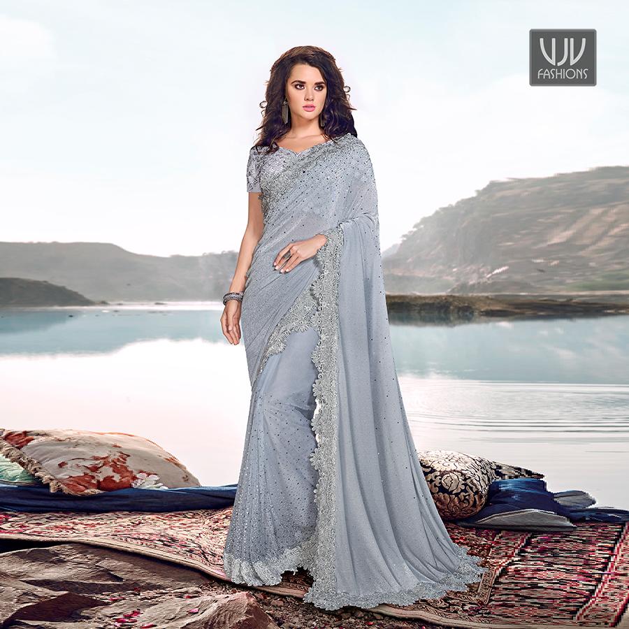 Buy Now @ https://bit.ly/2u1zu1T . Modest Grey Color Fancy Fabric Designer Classic Saree . Fabric - Fancy Fabric . Product No  VJV-SWAR5317  . #saree #sarees #designersaree #weddingsaree #bridalsaree #sareefashion #silksaree #banarasisarees #netsaree #partywearsareepic.twitter.com/WsLs5AJfqg