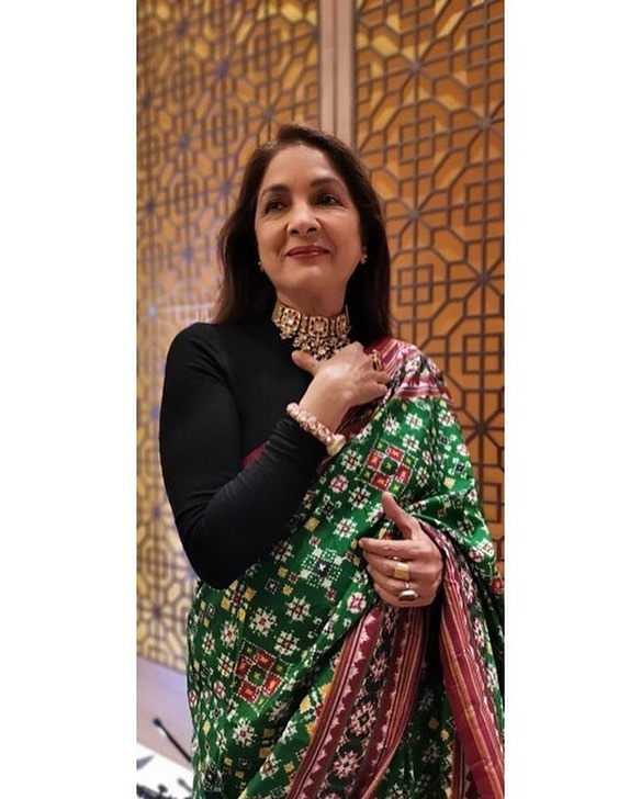 The Ever Green Beauty Neena Gupta setting up goals for the millennials!  Follow us on Instagram- @infi_fashion Visit us at http://www.infifashion.com    #neenagupta #infifashion #saree #sareelovers #sareedraping #panga  #sareeblousedesignspic.twitter.com/uvnxxareQ0