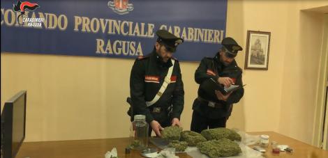 Tre chili di marijuana nella busta della spesa, arrestati due vittoriesi (VIDEO) - https://t.co/cMlPjc6icr #blogsicilianotizie